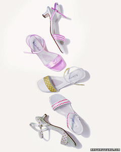 a100406_win04_shoes.jpg