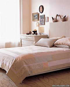 pa102972_0707_bedroom.jpg