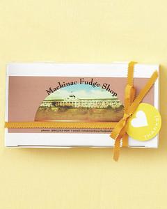 favors-fudge-mwd107607.jpg