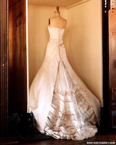 wa100525_win04_dress11.jpg