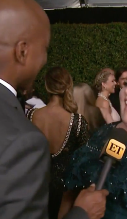 Chrissy Metz being interviewed at 2017 Emmys
