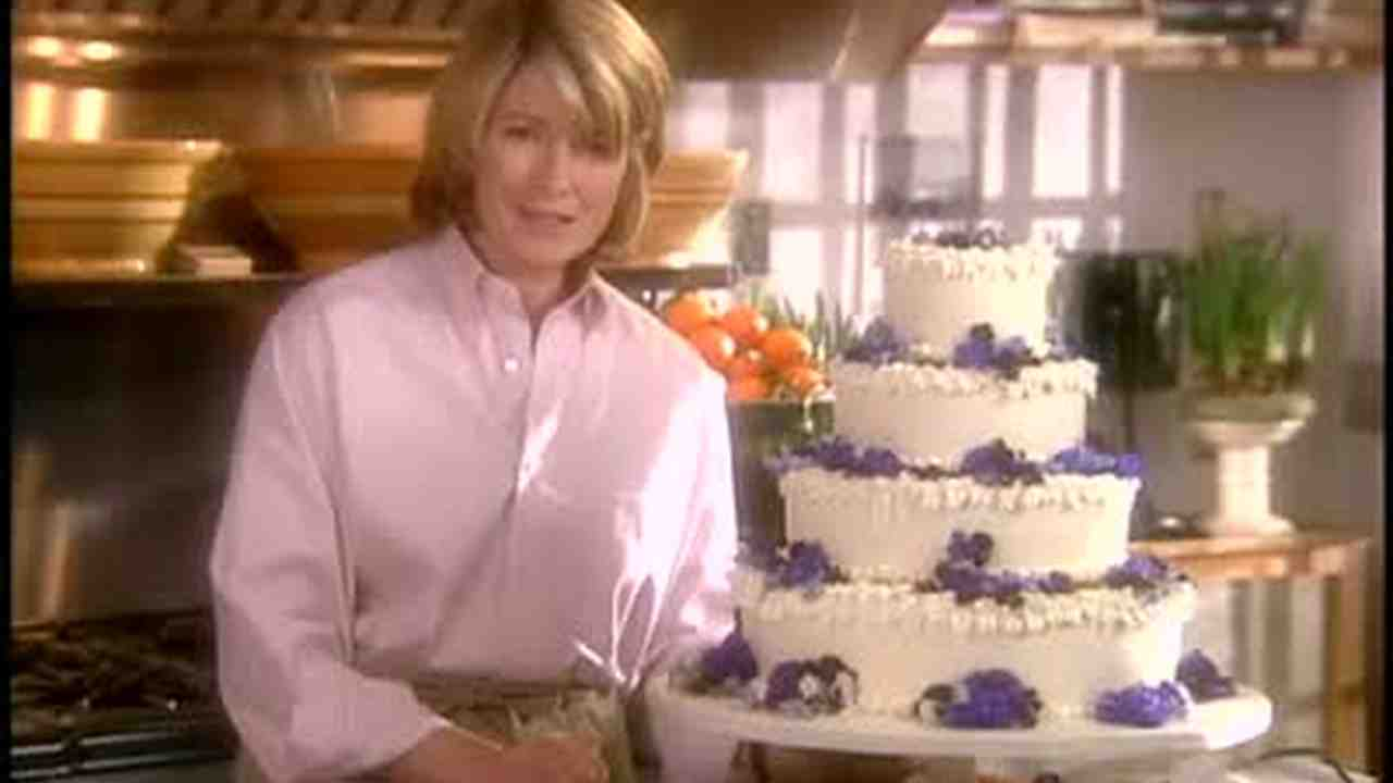 Video: The Anatomy of Tiered Wedding Cakes | Martha Stewart Weddings
