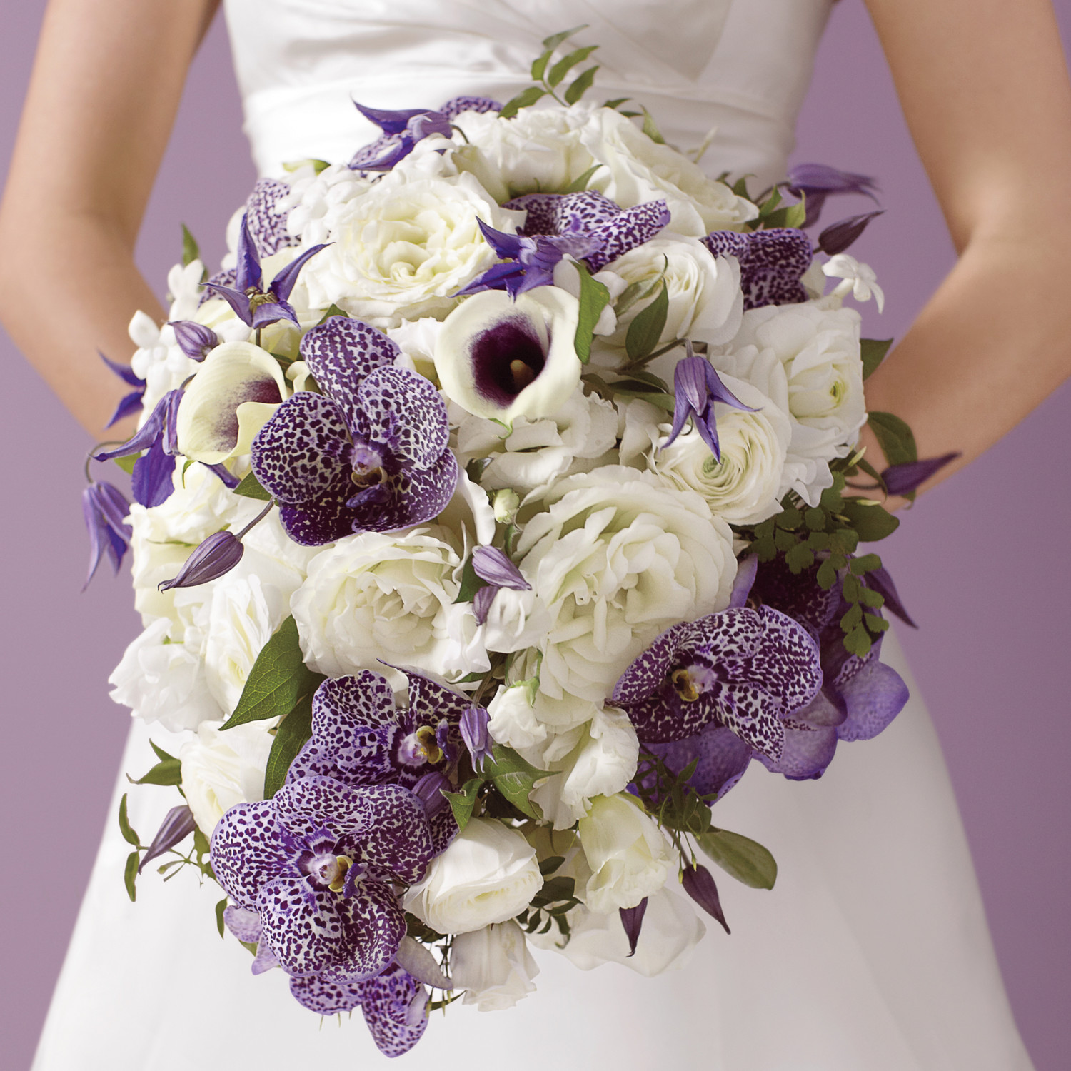 Cool weather wedding flowers martha stewart weddings for Bridal flower bouquets ideas