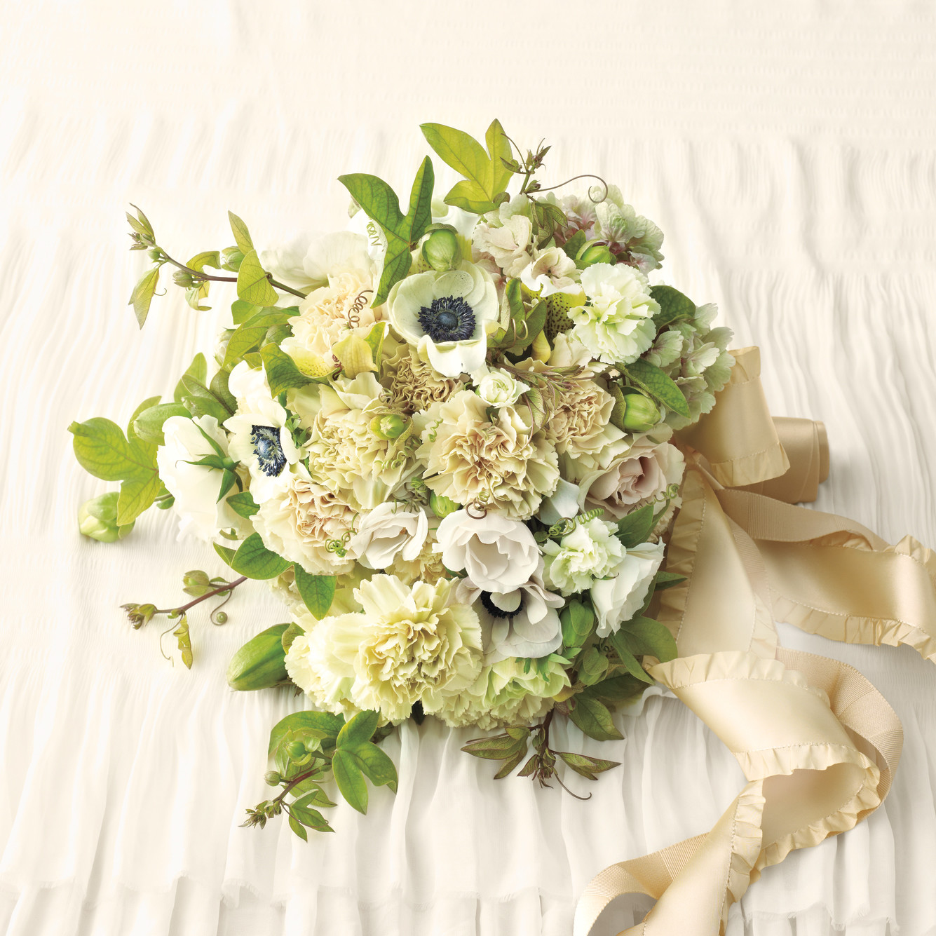 Wedding Flowers: Carnation Wedding Ideas (Yes, It's More Than A Filler