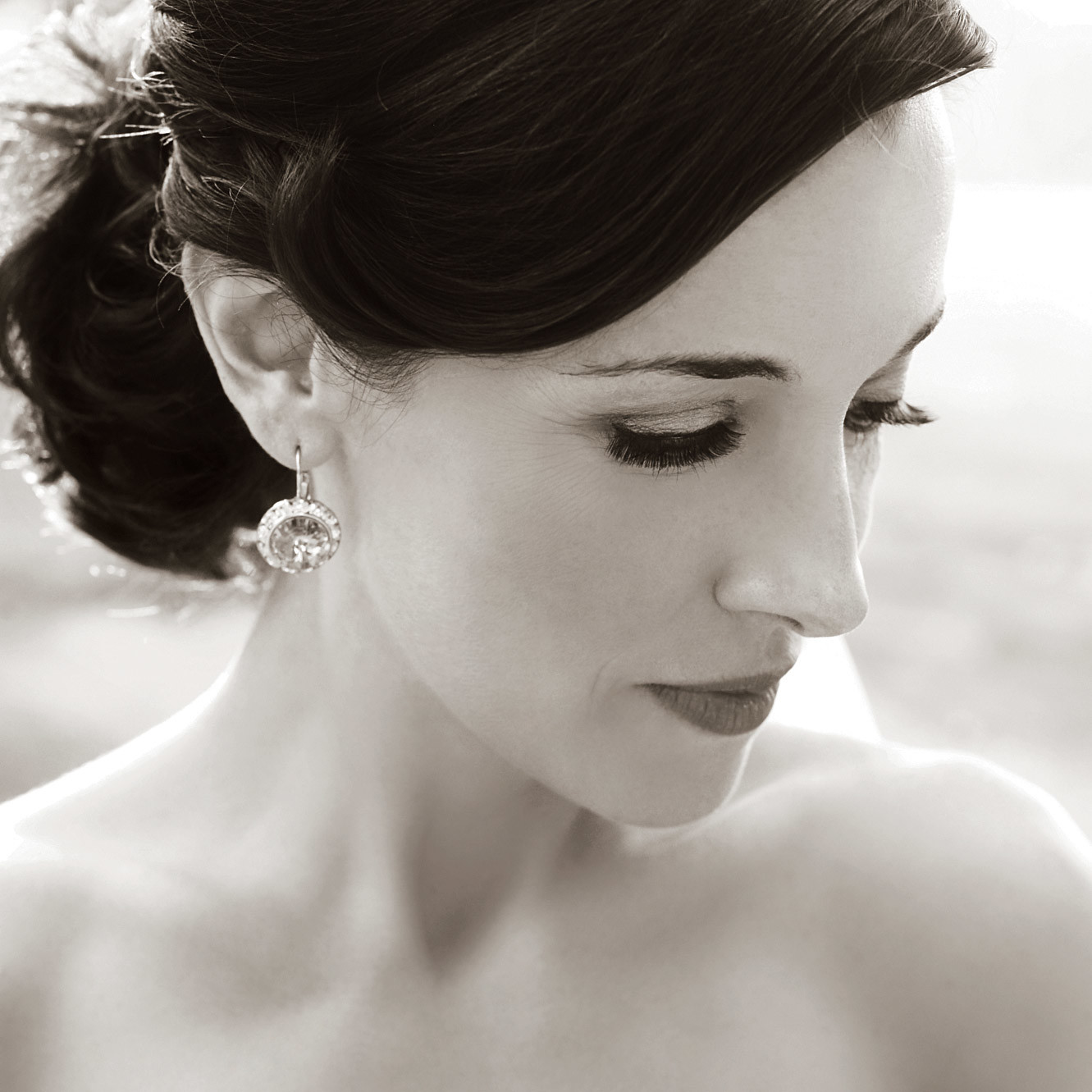 Professional Wedding Photography Tips: How To Pose For Wedding Pictures