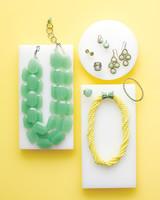 jewelry-mwd108080.jpg