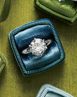 44 Engagement Rings with Brilliant Cut and Color