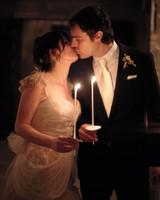 kissing-0811mwd107282.jpg