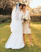 a100160_win04_bride_mom.jpg