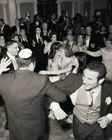 w1004_fal04_cher_dance2.jpg