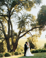 A Chartreuse-Colored Wedding at a Vineyard in California
