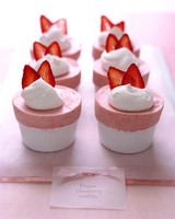 a99290_strawberrysouffles.jpg