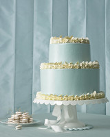 blue-and-white wedding cake