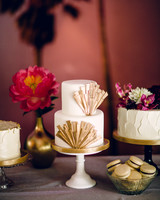 kelly_mike-wedding-cake-0514.jpg