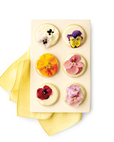 mwd105619_sum10_flowercookie.jpg