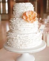 christy-jason-cake-mwds110102.jpg