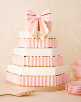 paper-bow-cake-0045-mwd110757.jpg