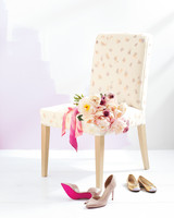 chair-bouquet-shoes-034-d111763.jpg
