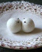 etsy_red2white_kiss_felt_magnets.jpg