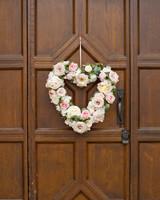 hayley-andrew-wedding-wreath-0714.jpg