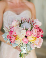 25 Stunning Ranunculus Wedding Bouquets