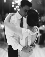 Vendor Smarts: How to Hire a Wedding Photographer