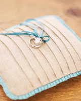 diy-ring-pillows-wd104892-linen-0515.jpg