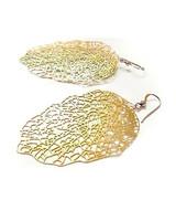 etsy_nylightmetals_gold_leaf_earrings.jpg