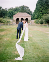 molly-thomas-bride-groom-20-wds109687.jpg