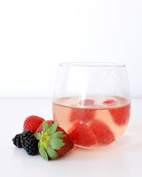 Rosé with frosty berries