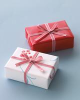 diy-favor-boxes-trim-tricks-win07-0715.jpg