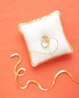 diy-ring-pillows-wd105786-sequins-0515.jpg