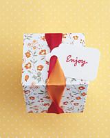 diy-favor-boxes-ribbon-twist-sum02-0715.jpg
