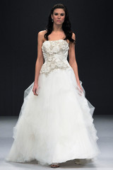 winnie-couture-fall2012-wd108109-004-df.jpg