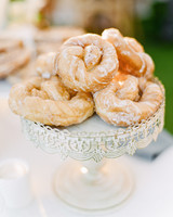izzy tom wedding donuts