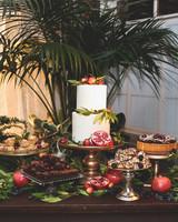 jessie-justin-wedding-dessert-71-s112135-0915.jpg