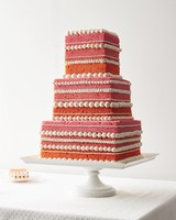 naked-cakes-pink-ombre-white-piping-002-d112920.jpg
