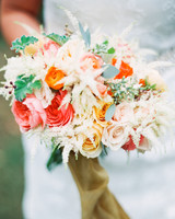 brittany-andrew-wedding-bouquet-031-s112067-0715.jpg