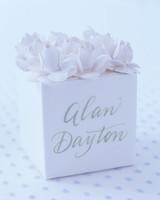 diy-floral-favors-paper-flower-box-top-su02-0615.jpg