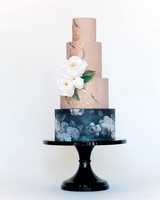 19 Cake Stands for Every Wedding