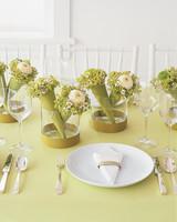 diy-floral-favors-mini-bouquet-centerpieces-fa02-0615.jpg