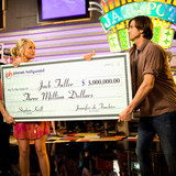 couple-money-tips-what-happens-in-vegas-cameron-diaz-ashton-kutcher-fight-over-jackpot-check-1015.jpg