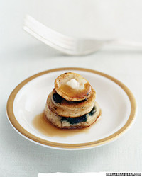 A Delicious Late-Night Wedding Snack: Pancake Bites