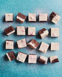 11 Peppermint Desserts for a Winter Wedding