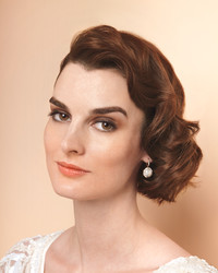 Old-Hollywood Waves Short Wedding Hairstyle