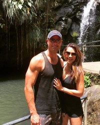 """Justin Hartley and Chrishell Stause Are """"Wrapping Up"""" Wedding Planning"""