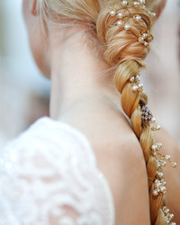 Wedding Hairstyles for Bows, Buds, Tiaras, and More From the Spring 2016 Bridal Shows
