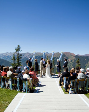 7 Memorable Places Where You Can Exchange Vows in the Midwest