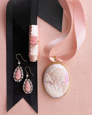 Wedding Colors: Cameo and Black