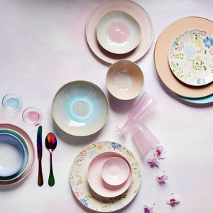 Enhance Your Registry with Dinnerware Sets Inspired by Iconic Artwork
